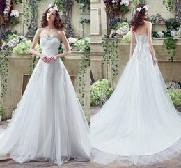 Wholesale White Elegant Sweetheart Designer Wedding Dresses Lace Appliqued Crystal Lace Up Bridal Gowns Long Sweep Train Under Vintage Gowns