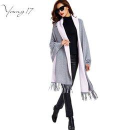 Wholesale Vente en gros Young17 automne féminine gland gland noir all match gris chaude mince manches longues ouvert cape tricotés cardigans femelle