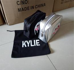 Kylie sacs de maquillage de vacances Kylie jenner Sac de cosmétiques de la Limited Edition d'anniversaire Collection Marque Make up Sliver et sac de cosmétiques noir
