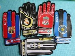 online shopping 2 gift Ac milan Chelsea Sports Boys Kids gloves New children Soccer Club Football training goalkeeper gloves team game Goalie Gloves