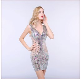 Wholesale Sexy Halter Short Section Jupe Deep V Collier Night Club Club Dress Forme Hip Car Model Passerelle Pass Skirt Robe de bal HY1616