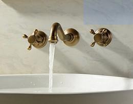 3Pcs Faucet Conjuntos Antique Brass Double Handle Widespread Banheiro Banheiro Banheiro Tap Bacia Lavatório Misturador Torneiras LLFA