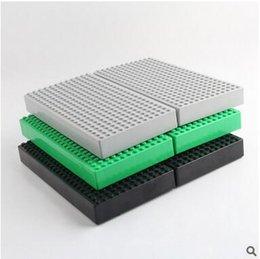 3 colores de los bloques de construcción de la caja de almacenamiento de la base doble lado 12 * 24 Minifig Orgnizer cifras cuadros de construcción de caja de almacenamiento de juguete CCA5720 100pcs
