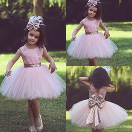 Wholesale Corto Rosa Tulle Ball Gowns Girls Dressup Bordado Jewel Oro Sequin Bow Niños Fiesta de cumpleaños Flower Little Girl Dress