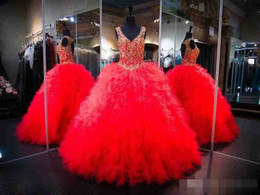 Wholesale 2017 robe boule rouge Quinceanera robes Debutante Crystal Puffy robes de bal en cascade Ruffles creux Back mascarade robe Pageant