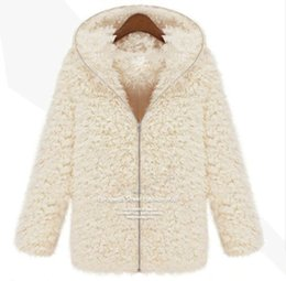 Wholesale Vêtements Femmes New Winter Femmes Mousseline Shaggy Manteau Faux Fur Zipper Outerwear Hoodie épais Beige