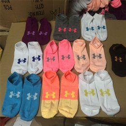 Wholesale Under Armour UA Chaussettes Mode Femmes Football Cheerleaders Short basketball Sports Chaussettes à cheville Under Armour Skateboard Socks Summer Free DHL