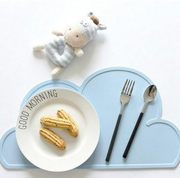 Hottest Design New Kitchen Accs 48cm 27cm Utensil Mats Heat Resistent Silicone Cloud Shaped Placemat For Baby Tableware Mat