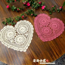 Wholesale Free Shipping Zakka Romantic Crochet Heart Mat For Wedding Decoration Lace Doilies For Home Decor 3d Flower Coaster Tablemat Cheap Bamboo