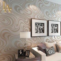 Vente en gros de haute qualité 9.5m * 0.53m 3D Embossé Flocage papier peint murale à rayures roulant moderne Salle de séjour papier mural de papier mural W329