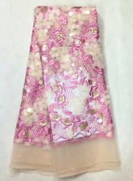 Wholesale 5 Y pc Cordón africano popular del acoplamiento del bordado rosado de la flor con el cequi del oro y la tela redonda francesa del cordón de las escamas para la ropa LJ15