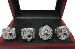 Nouveau arrivé 2001 2003 2004 2014 Anglais Patriots Super Bowl championnat bagues 4pcs ensemble avec boîte en bois Livraison gratuite DHL