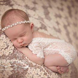 Wholesale New Newborn Lace Rompers Bebé Fotografía Props Ropa Cute Infantil Niño Trajes Cien Amaterasu Bebés Chica Romper Blanco Negro A6252
