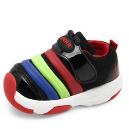 Wholesale wengkk store kids sporting shoes in black color fashion cheap sneakers for children top selling high quality