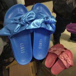 2017 Mulheres Novas Fenty Bandana Slide Chinelos Designer Senhoras Rihanna Borboleta Chinelos Ouro Rosa Vermelho Branco Roxo Azul Novo Na Caixa