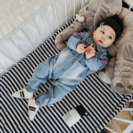 Wholesale Jeans jeans mamelon manches longues mamelon bébé garçons filles denim longue manches jumpsuit enfants bambin girafe enceinte bodysuit A0534