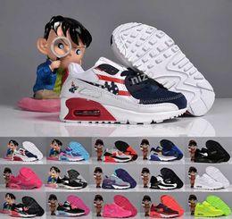 2016 shoes run air max Cheap Kids Max 90 Running Shoes For Boys Girl High Quality Air Sport Shoes Black White Children Maxes 90 Trainers Sneakers Size 26-35 discount shoes run air max