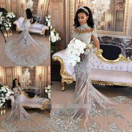 Wholesale Arbaic robes de mariée sirène sexy de luxe en perles cristal cristal strass haute cou à manches longues robe nuptiale église sur mesure