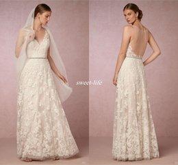 Wholesale Vintage Full Lace Wedding Dresses Sexy V cuello sin mangas vaina elegante Lace Applique piso de longitud con cinturón Bohemia Beach nupcial vestidos