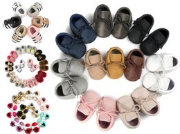 3 paires / lot (190 styles pour choisir) Baby Soft PU Tassel en cuir Mocassins Moccs Baby Booties Toddler Tassel couleur solide Chaussures Moccasin