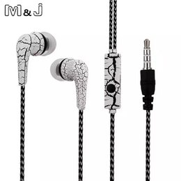DURAGADGET High-Quality In-Ear Headphones With Deep Bass & Clear Highs For Apple IPhone 3G, 4, 4s, 5, 5S And 5C On Amazon