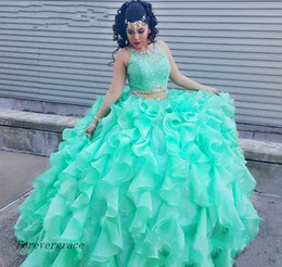 Wholesale 2017 Mint Green Deux pièces Quinceanera Dress Princess Cascading Puffy Sweet ans Long Girls Prom Party Pageant Gown Plus Size Custom Made