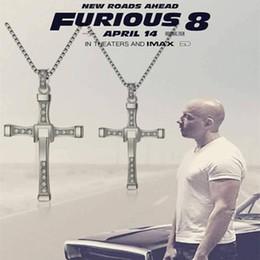 Бесплатная доставка 2017 Новый фильм ювелирные изделия Быстрое и яростное Доминик Toretto Vin Классический мужской горный хрусталь CROSS ожерелье