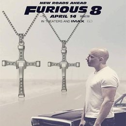 Livraison gratuite 2017 Bijoux les plus récents pour les bijoux The Fast and Furious Dominic Toretto Vin Classique strass CROSS collier pendentif