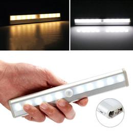 LED de lumière de capteur sans fil PIR Auto Motion Sensor Lumière Infrarouge Intelligent Induction Lamp Night Lights pour Cabinet Closet Hôtel