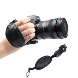 2016 Le plus récent Hot Camera Handle Strap Grip pour NIKON D7000 D5100 D5000 D3200 Canon Sony Marque Leather Camera Accessoires Ceinture de poignet