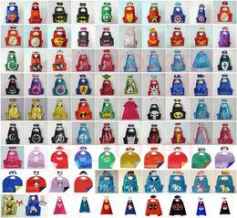 90 Styles 70 * 70cm Cape double couche avec masque enfants cosplay Capes super-héros et masque pour les enfants Halloween Costumes Halloween Costume Cosplay