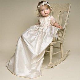 Wholesale Nuevo vestido del bautizo de las muchachas del bebé del bebé de Lolita Vestido de marfil blanco del bautismo del Applique del cordón con la venda mes