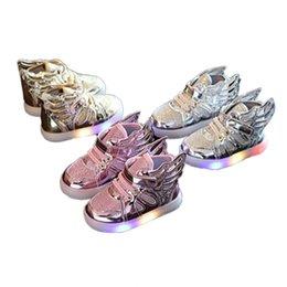 Wholesale Chaussures enfants avec la lumière Mode chaussures sneakers incandescents filles petites filles ailes toile de printemps appartements enfants cadeau de Noël couleurs
