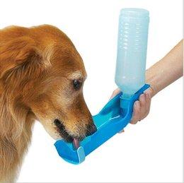 3 cores 250ml Pet Dog Cat Água Alimentar Bebida Bottle Dispenser Viagem Portable Foldable plástico Alimentação Bowl Viagem Pet Garrafa De água W1125