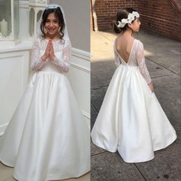 Long Sleeve A Line Lace Flower Girl Dress For Weddings 2018 Sexy Backless  Junior Bridesmaid Dress Satin Kids First Communication Gowns
