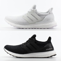 Ultraboots 3.0 4.0 Uncaged Running Shoes Men Women Ultra Boots 3.0 III Primeknit Runs White Black Athletic Shoe Trainers Sneaker