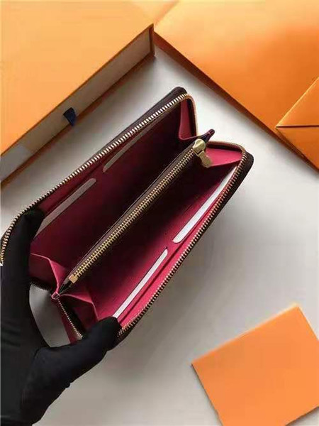 fashion designer credit card holder classic leather purse folded notes and receipts bag wallet purse distribution box purse (522624652) photo