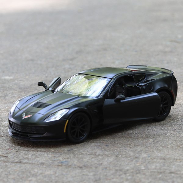 1/36 Chevrolet Corvette C7 литье под давлением модель сплава тянуть назад автомобиль детские