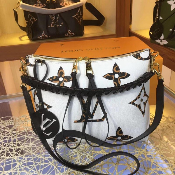luxury handbags purses women fashion luxury design bags design luxury handbags purses (513953739) photo