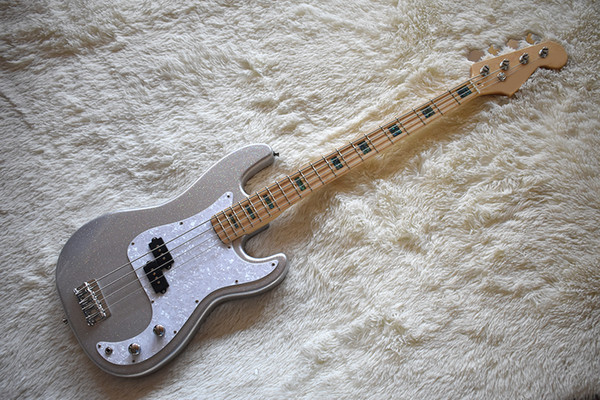 Factory cu tom ilver hining electric ba guitar with abalone fret inlay chrome hardware white pearl pickguard high quality