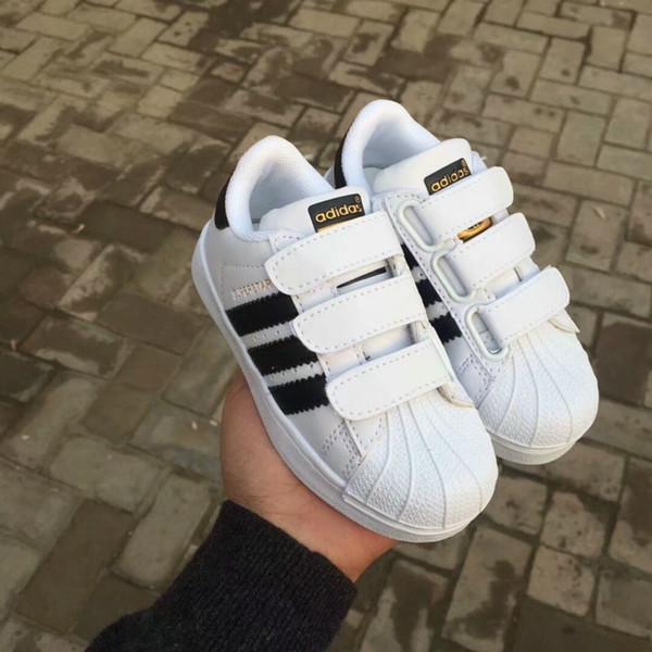 Фирменная спортивная обувь Adidas Superstar Детская обувь классический дизайн черный белый ребенок дети кроссовки случайные спортивные тренеры