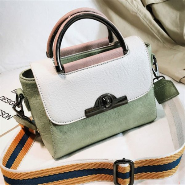 Роскошная сумка женская дизайнерская сумка корейская версия маленькая квадратная оседлать широкий плечевой ремень одно плечо Messenger PH-CFY911131 фото