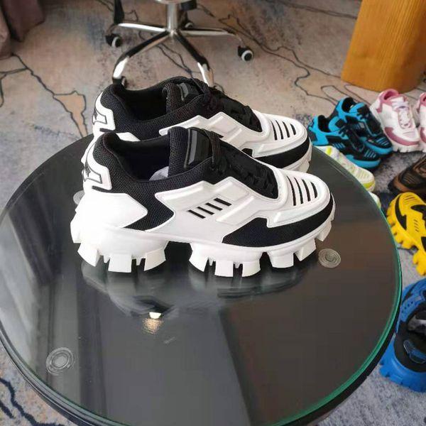 Последние подиум цвета соответствия толстой подошве старые ботинки пара моделей