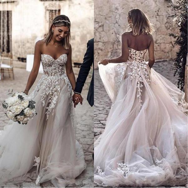 Элегантный Bohemian Пляж Свадебные платья 2020 3D-цветочные кружева аппликация Милая Бе