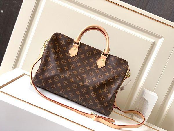 bags handbags women womens handbags purses totes sell d9n8520 (582798681) photo