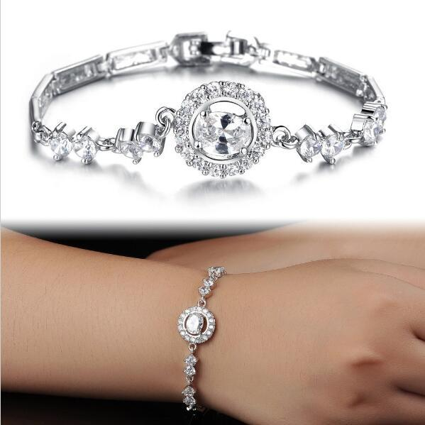 High Recommended Luxury AAA Cubic Zirconia Inlaid Bracelets Bangles Fashion Lucky Four Leaf Clover Women Wedding Jewelry kh940