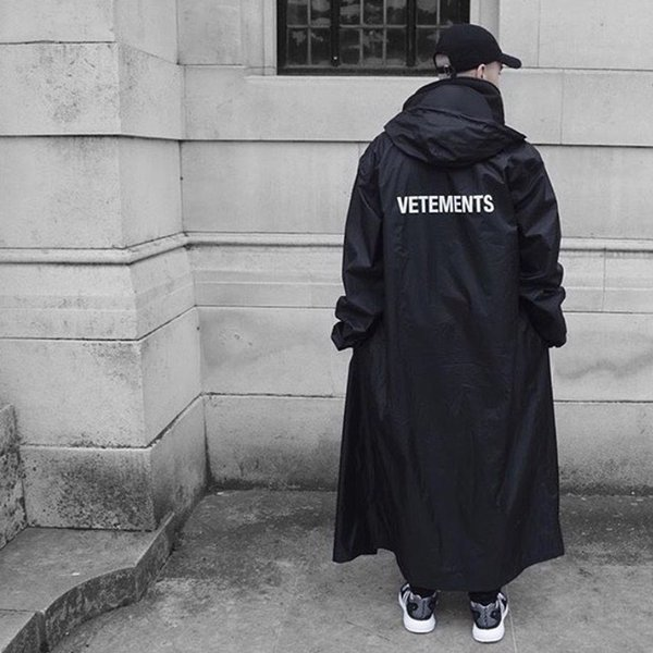 17fw vetement black raincoat pvc logo printed windbreaker raincoat couple fa hion outerwear raincoat hfytjk007