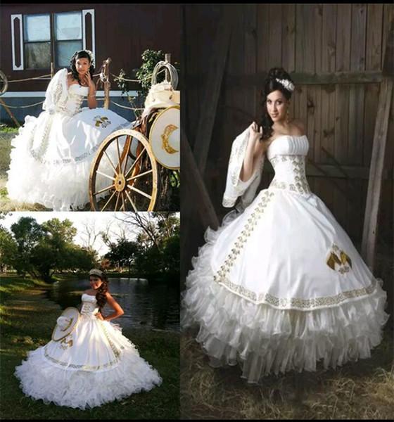 2017 сексуальное белое золотое бальное платье Quinceanera Платья с вышивкой из бисера Sweet 16 Платье зашнуровать длиной до пола Vestido De Festa BM99