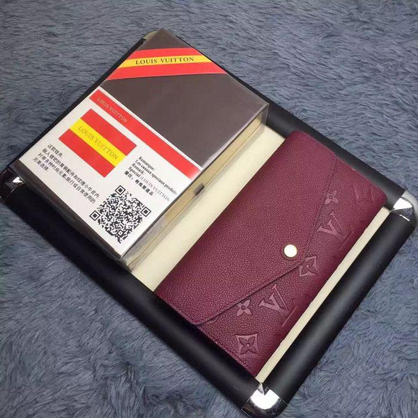 Кожаный кошелек Sarah с тиснением кожаный кошелек M61181 КОШЕЛЬКИ ОКИСЛИТЕЛЬНЫЕ КОЖУХ