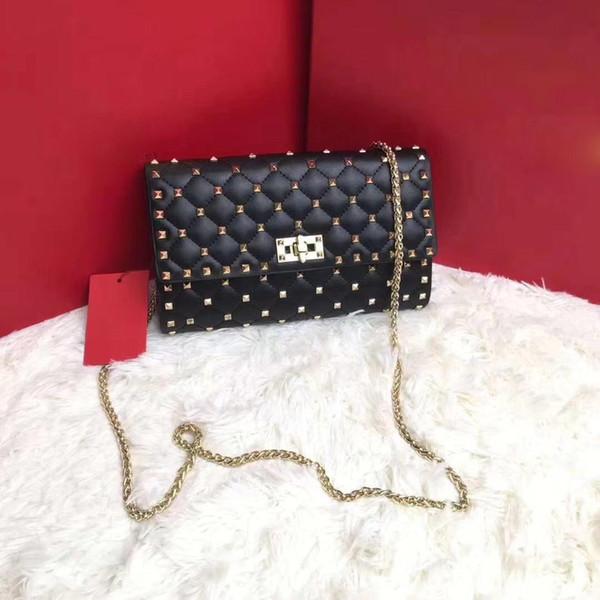 Kaliteli çanta Lüks tasarımcı omuz çantası kadın perçinler çanta çanta eyer kayışları tasarım Luxury debriyaj çivili perçin